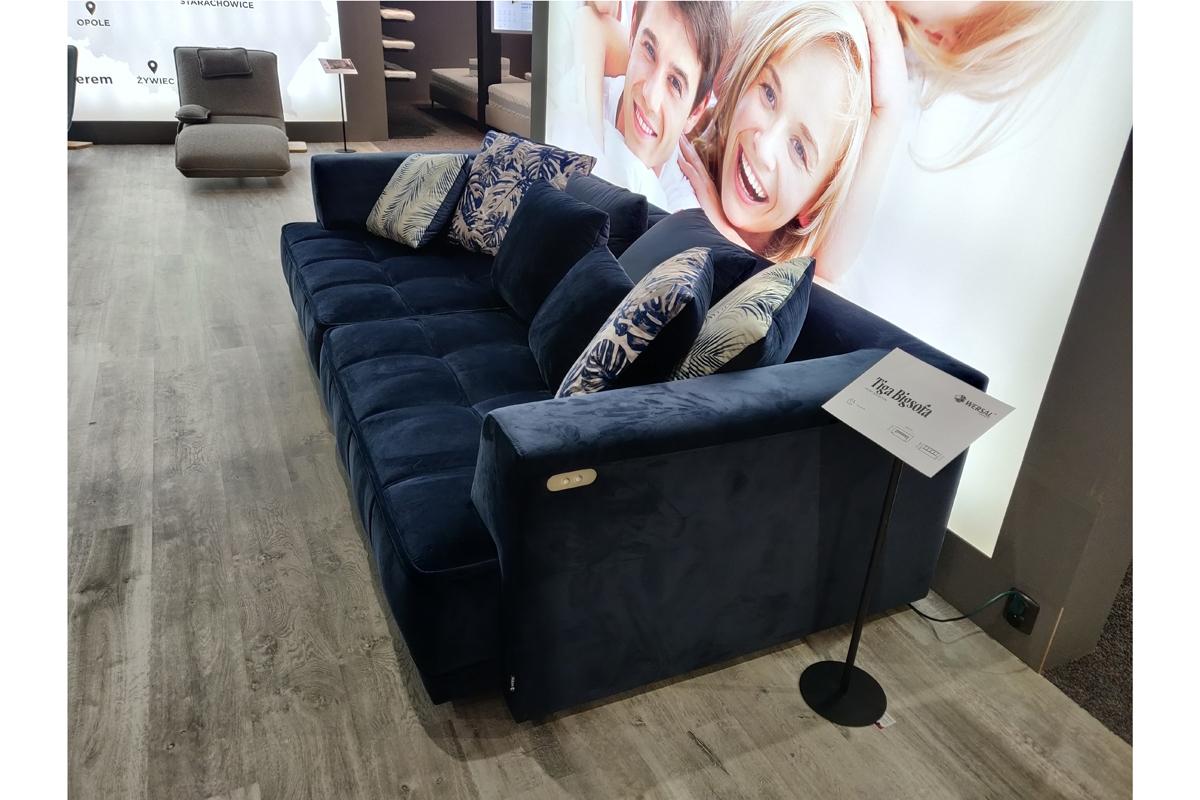 kanapa z wysuwanym siedziskiem