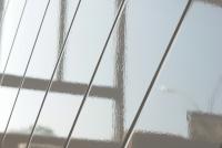 Komoda mała dwudrzwiowa z szufladami Paris - biały połysk